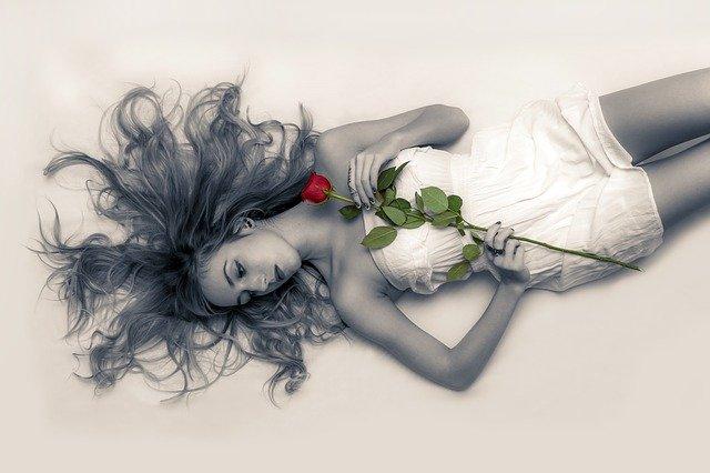 Happy Rose Day Shayari Image, Quotes, Wishes, Message To Share Whatsapp Status 2021